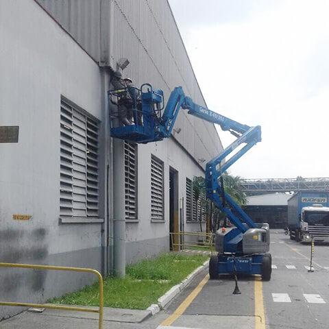 news-XJ-HBS Series High bays , XJ-FLA-2 series flood lights being installed at the Pirelli Tire Fac-1