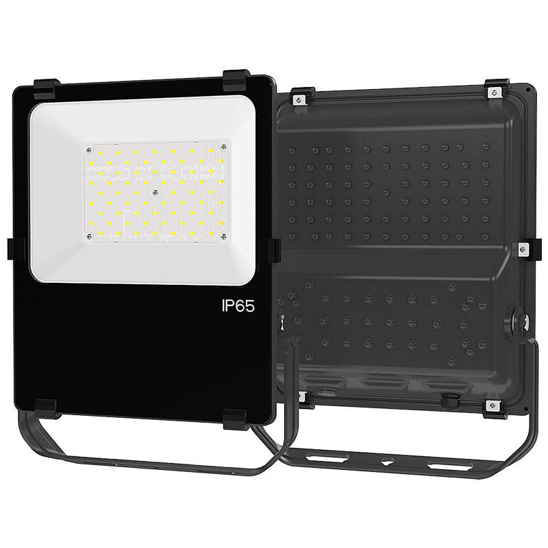 SEEKING stadium led industrial light with a clear scale table for walkway areas